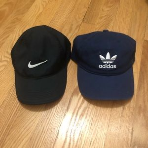 Bundle of 2 baseball caps